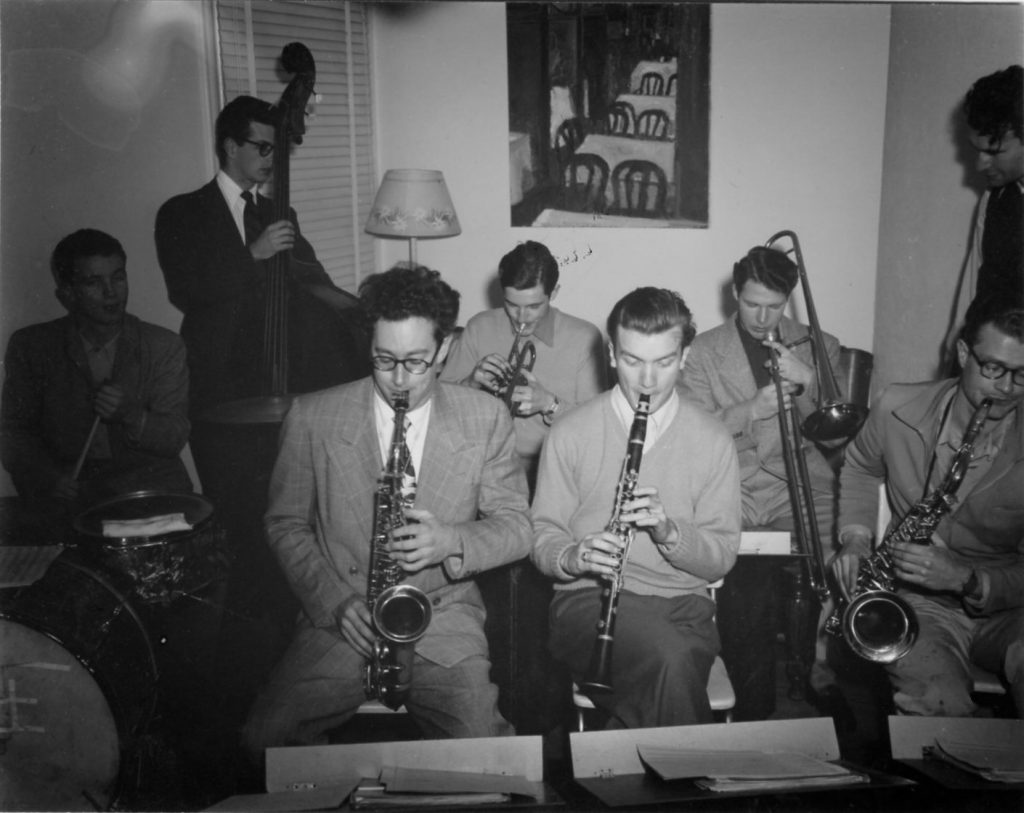 Paul Desmond (alto sax) and Bill Smith (clarinet) in 1947