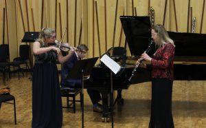 "Nancy Braithwaite, Amarins Wierdsma, and Fiachra Garvey playing Bartok's ""Contrasts"""